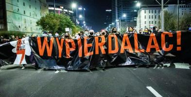 Zatrzymania, mandaty, wnioski o ukaranie do sądu i sanepidu. Policja podsumowuje nocny protest-8670