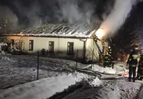 Trwa czarna seria tragicznych pożarów w regionie. W Lipinkach zginęły 2 osoby!-9212