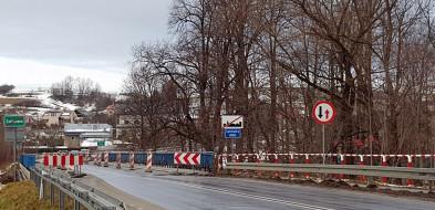 Siary. Uwaga! Zamknięty most na DW 977 -9914
