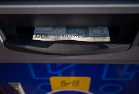 Niektóre banki zapowiadają przerwy w usługach. Sprawdź, co nie będzie działać-10060