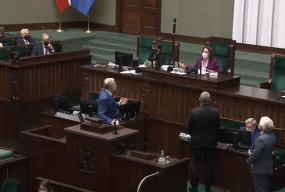 """Skandal w polskim Sejmie. Braun do ministra: """"Będziesz wisiał"""" [VIDEO]-10334"""